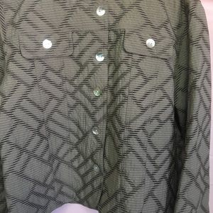 Alfred Dunner Silver And Black Petite Top.